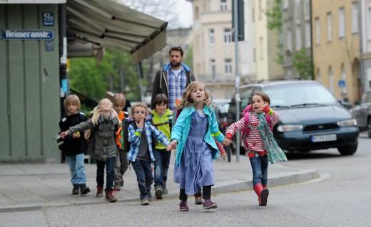 Bus mit Füßen, Green City e.V., Foto: Green City  e.V./Tobias Hase