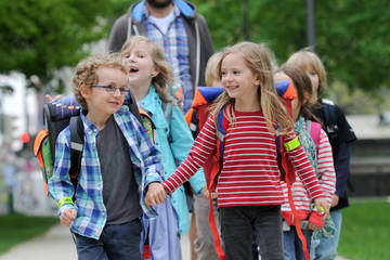 Grundschulen: Jetzt für den Bus mit Füßen bewerben!