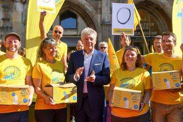 160.000 Unterschriften! Bündnis Radentscheid reicht Begehren ein