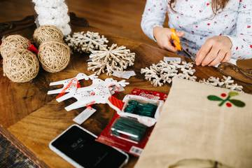 Upcycling Workshop für Jugendliche: Nachhaltige Weihnachtsgeschenke